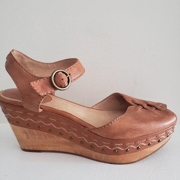 f8c96247ed Frye Shoes | Platform Sandals Studded Tan Leather Size 10 | Poshmark